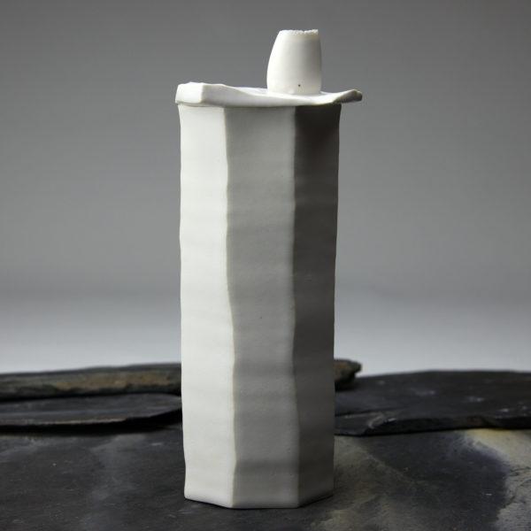 Soliflore Pi en porcelaine émaillée