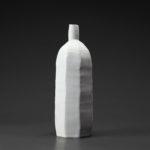 Bouteille céramique, porcelaine émaillée blanc
